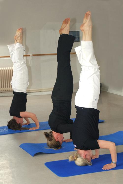 Susanne Usko Yoga Kopfstand