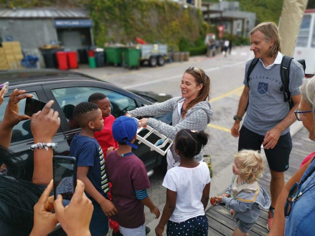 Susanne Usko mit Patenkindern